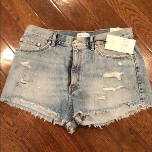 NWT Zara distressed denim shorts